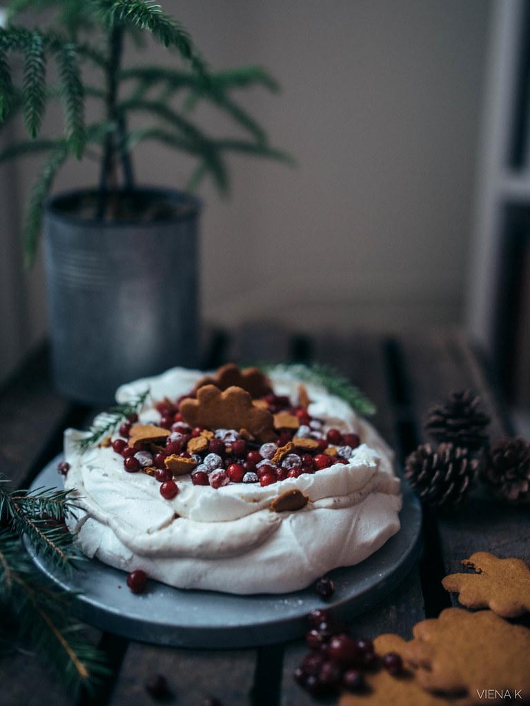 vegaaninen joulupavlova