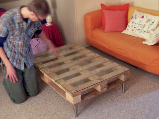 pallet table v2 | by apartment 13
