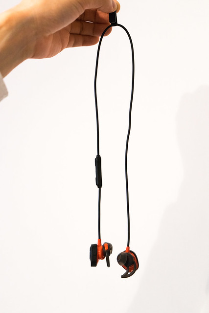 BOSE SoundSport Pulse wireless headphones-10.jpg