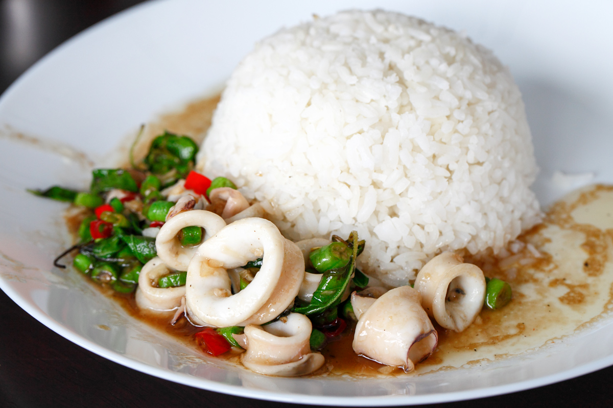 Kid Thung Stir Fried Squid with Rice