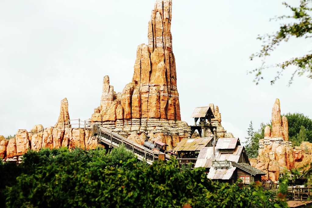 Drawing Dreaming - 10 razões para visitar a Disneyland Paris - Big Thunder Mountain