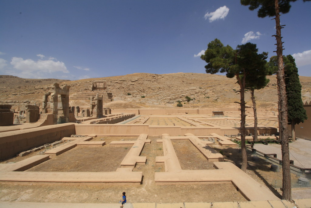 TRAVEL TO SHIRAZ Persepolis