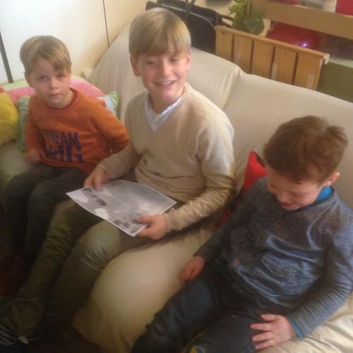 klasoverschrijdend werken met 6 de leerjaar: voorlezen van een kerstverhaal.