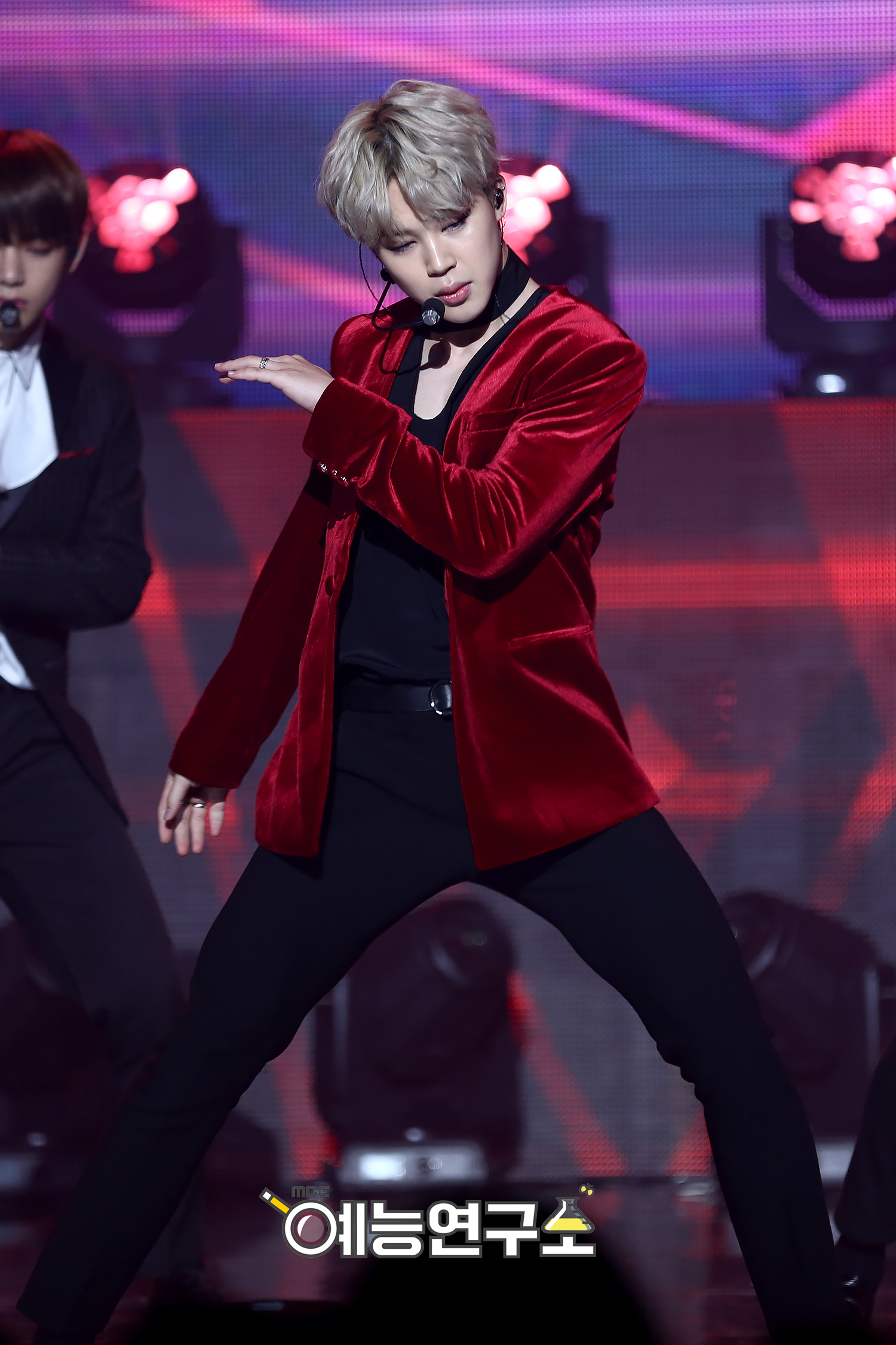picture  bts at mbc music core christmas special  161224