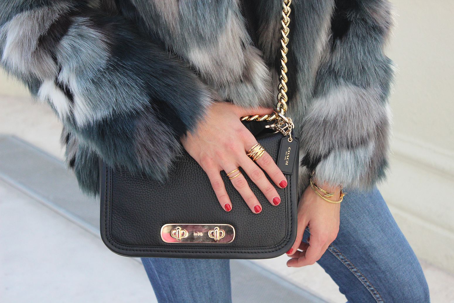 faux fur coat jeans pretty ballerinas black flats coach bag casual outfit fashion style12