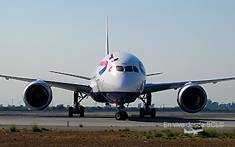 British Airways B787-9 SCL with flag (RD)