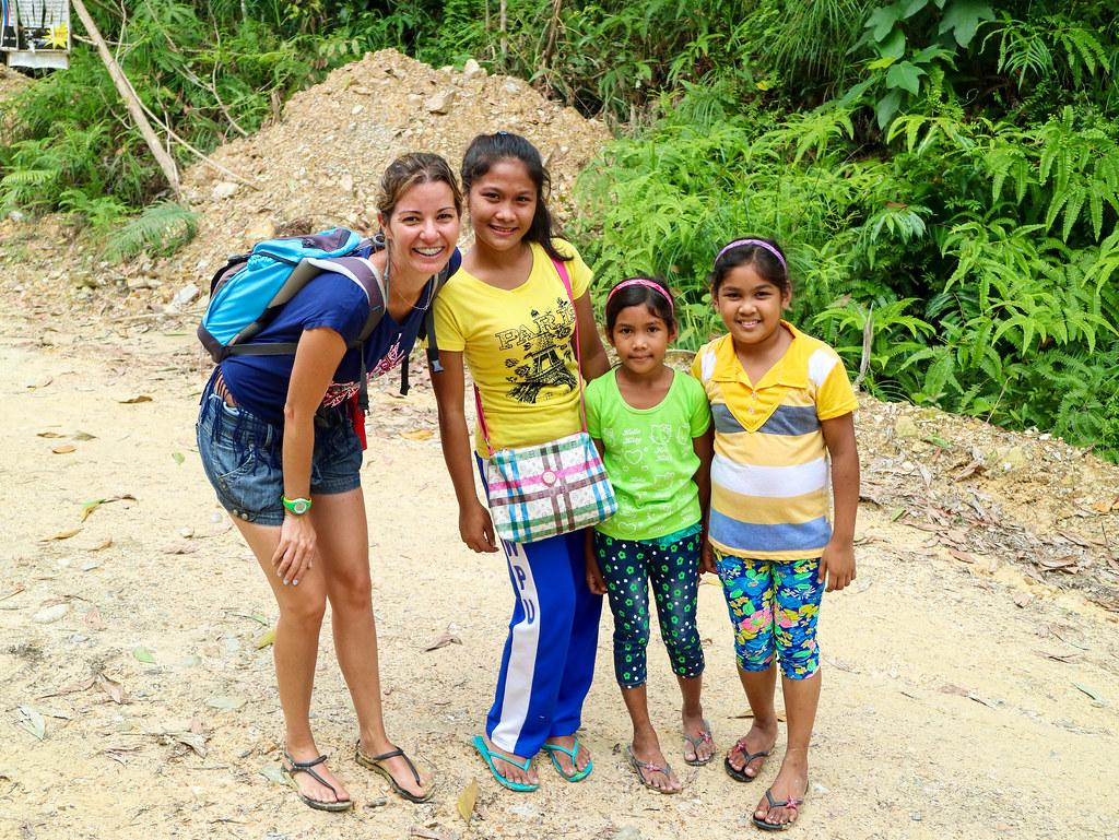 Sendero hacia las cascadas de Pamuayan
