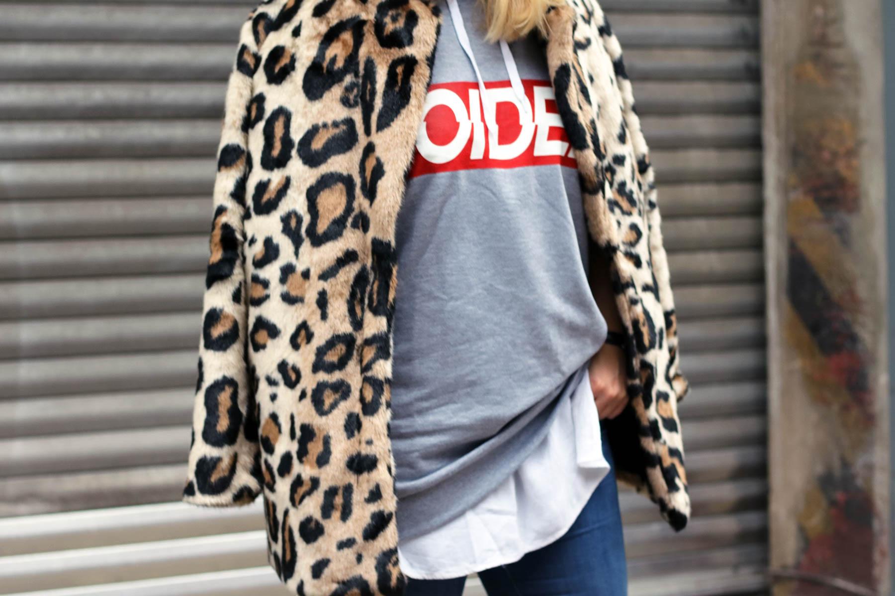 outfit-modeblog-fashionblog-fashionpassionlove-leo-mantel-trend-mantel-winter-sneaker-adidas28 (1 von 1)