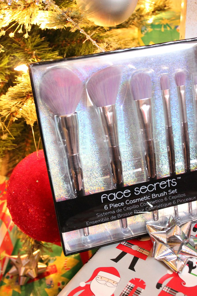 Sally Beauty Holiday Stocking Stuffers