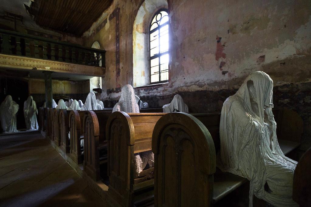 Lukova Church - 17