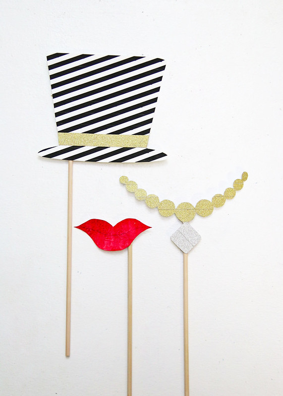 Printable Hat Lips Necklace Props