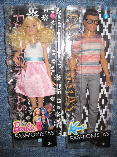 IRENgorgeous: Magic Kingdom filled with Barbie dolls - Page 2 30863789634_d5129f33be