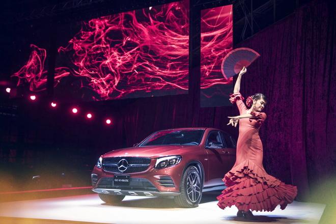 熱情如火的佛朗明哥舞者,呼應著全新GLC Coupe勇猛奔馳的動感意念