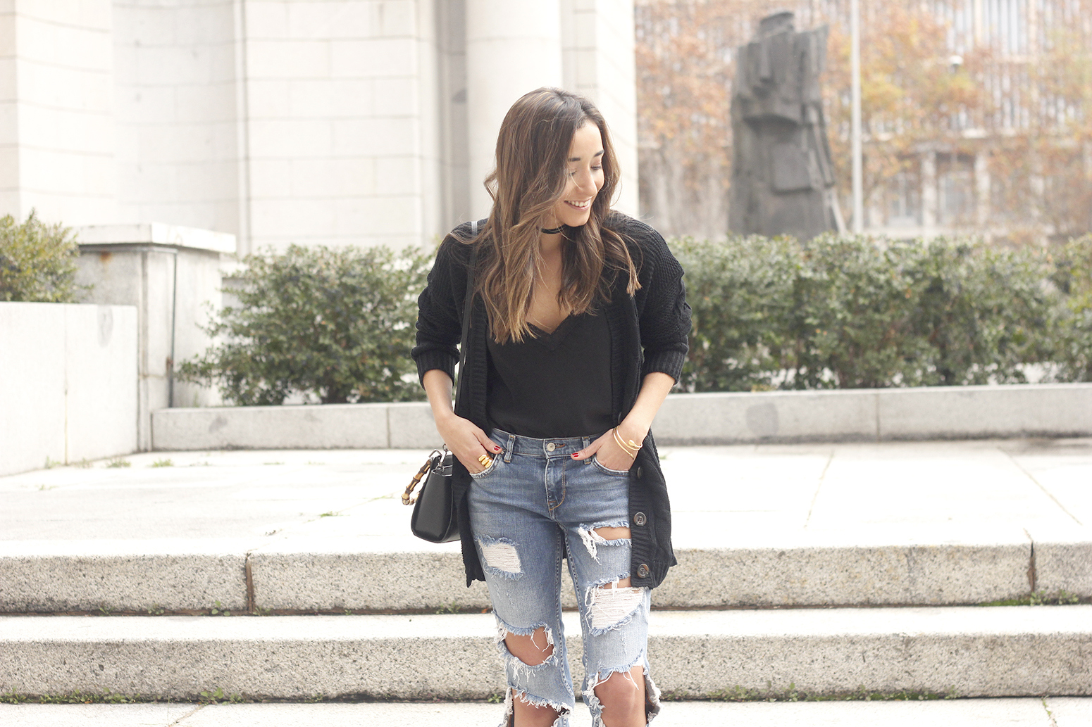 black lace top ripped jeans black cardigan uterqüe bag accessories outfit style fashion heels09