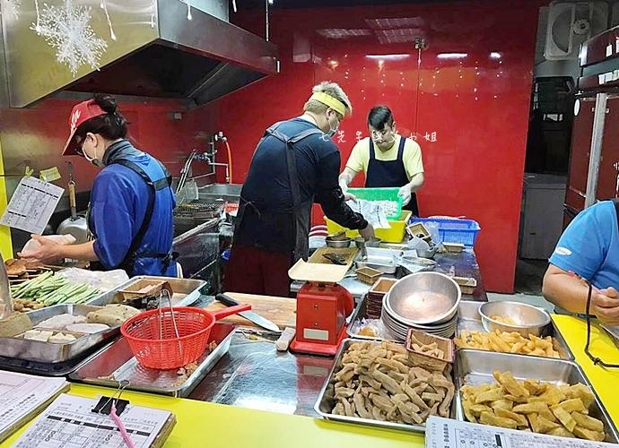 4 小鄭炸醬雞 食尚玩家 2017橫著走 台北必吃開運美食 號稱中和最好吃鹹酥雞