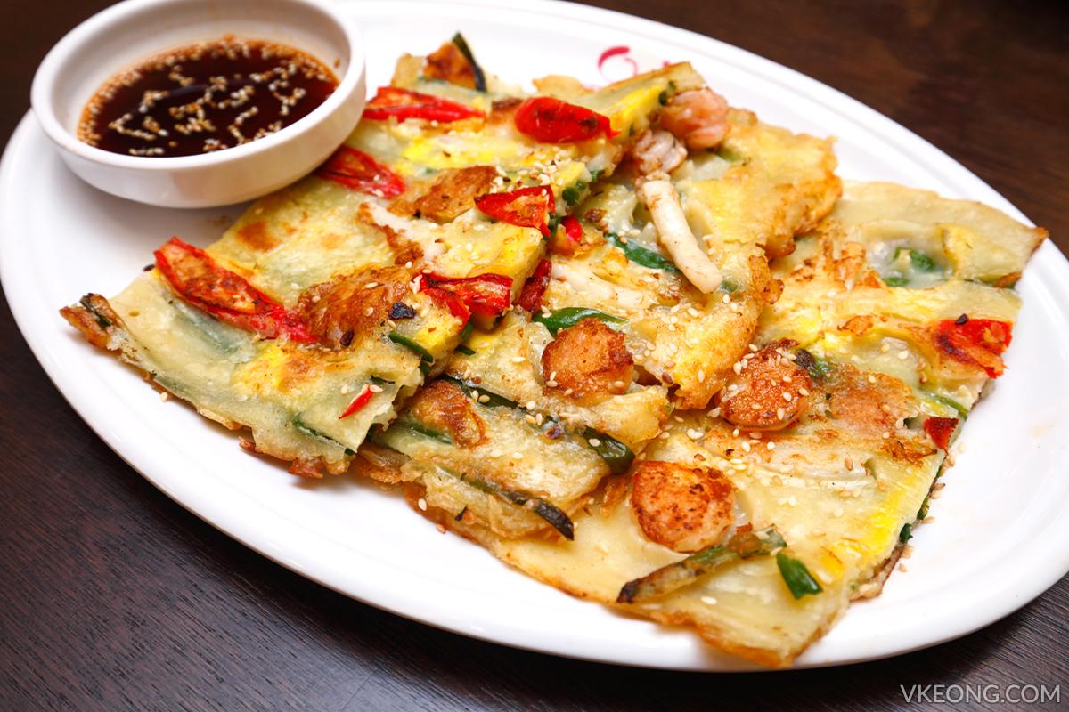 Yoogane Dak Galbi Korean Seafood Pancake