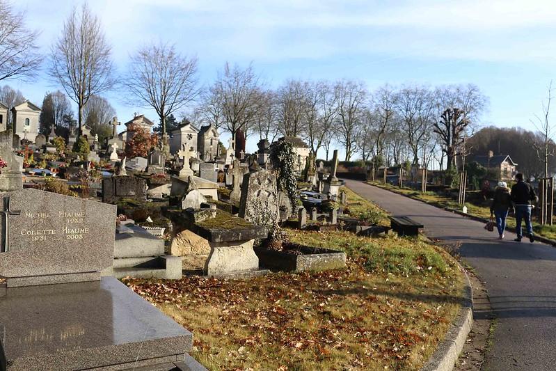 City Walk - Towards Flaubert's Tomb, Cimetière Monumental de Rouen