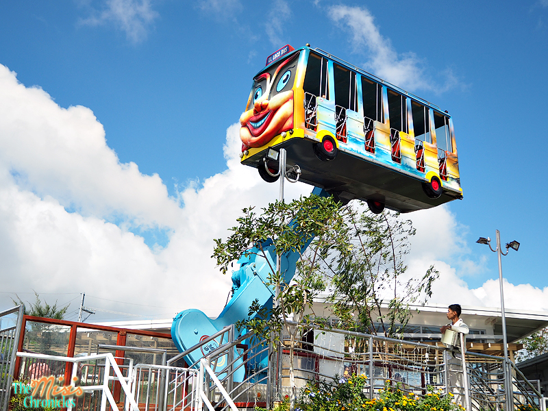 Flying Bus sky ranch