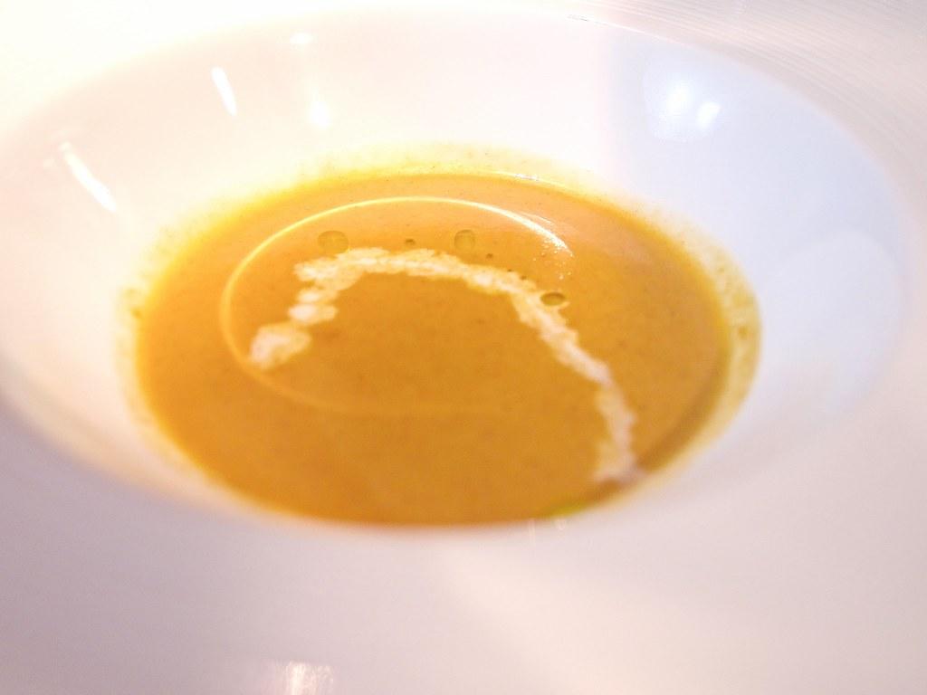 オマール海老のスープ カレー風味