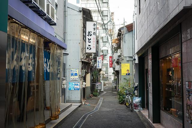 神戸・新開地の路地の写真