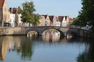 015 Iets verderop bij Jan van Eyckplein vanaf bruggetje