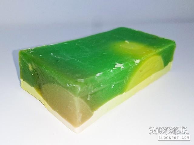 lush citrusy baked alaska soap