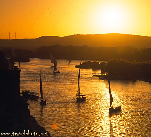 Feluccas on the Nile (Aswan, Egypt) | by laurenz
