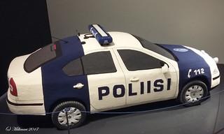 Virkattu poliisiauto, Kaija Papu, Taide- ja museokeskus Sinkka, Kerava