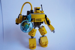 [MOC] Mini Robot : Rebooted 32013063082_7e00942ecf_m