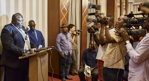 Tshopo deputy reads manifesto