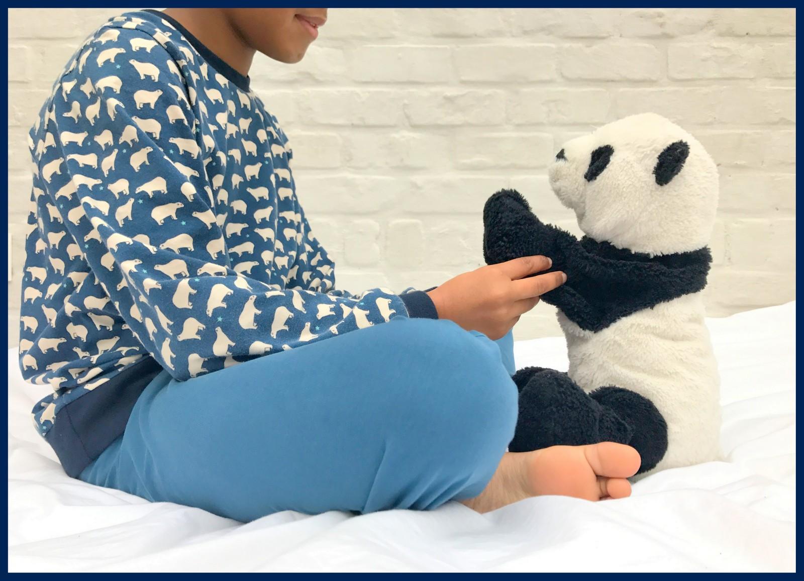 ijsbeer pijama (sitting)