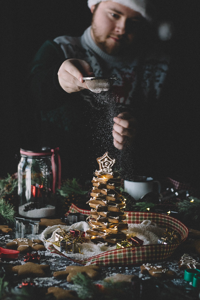 Buckwheat Gingerbread Cookies with Spiced Royal Icing | TermiNatetor Kitchen