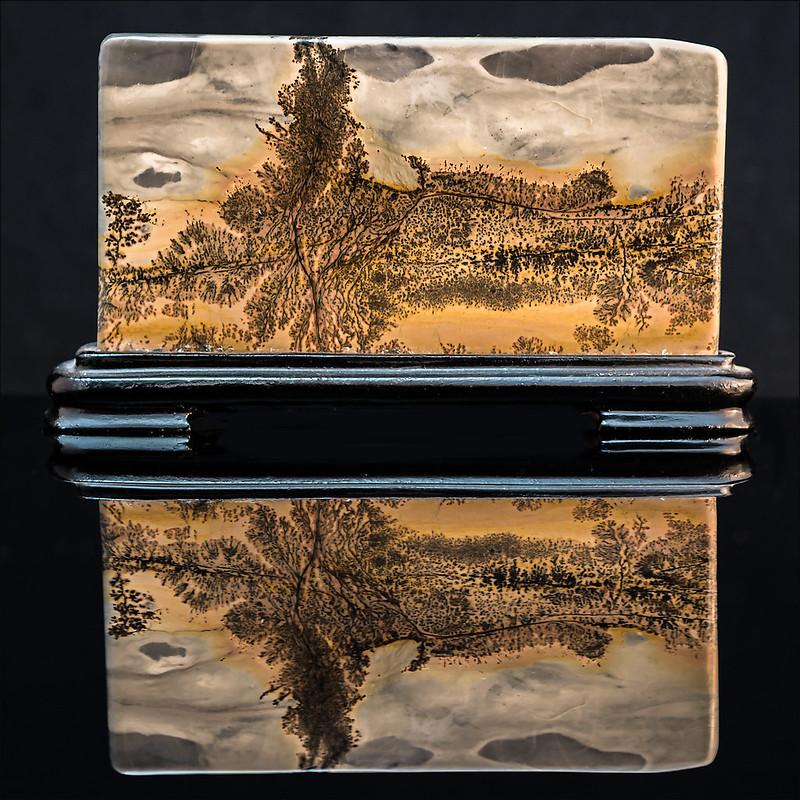 Pierre paysage et son reflet 32198914026_3b6b978296_c