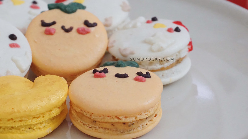 chinese new year macarons rooster