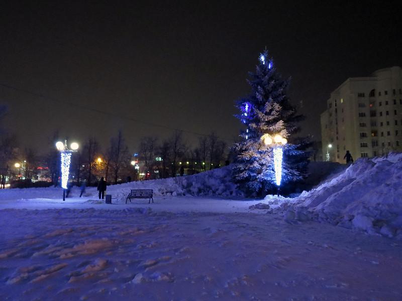 Новогодняя площадь