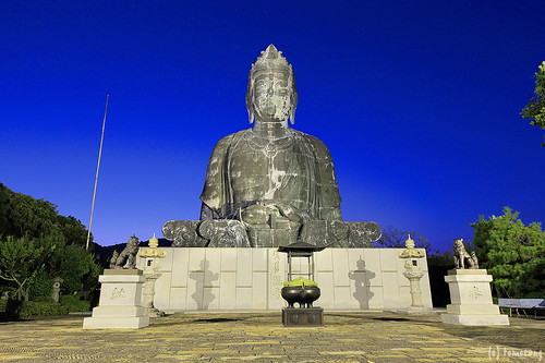 The Ikitsuki Daigyoran Kannon Statue at Night