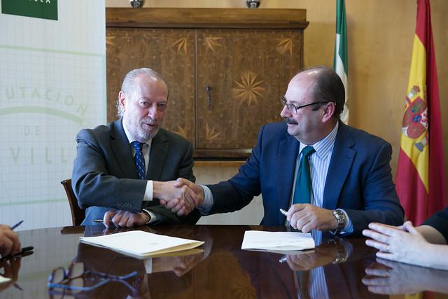 12-221216 Firma Convenio Aosciación Aceituna Sevillana