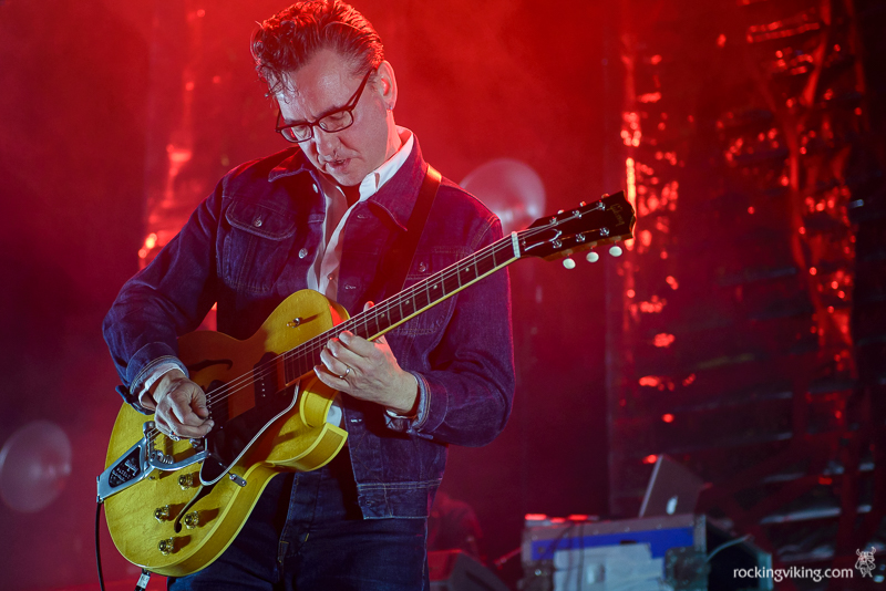 Richard Hawley playing a guitar solo at Sheffield City Hall on December 5, 2016
