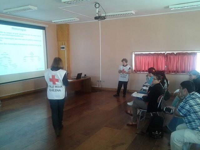 Cruz Roja Chilena realizó capacitación en Primeros Auxilios