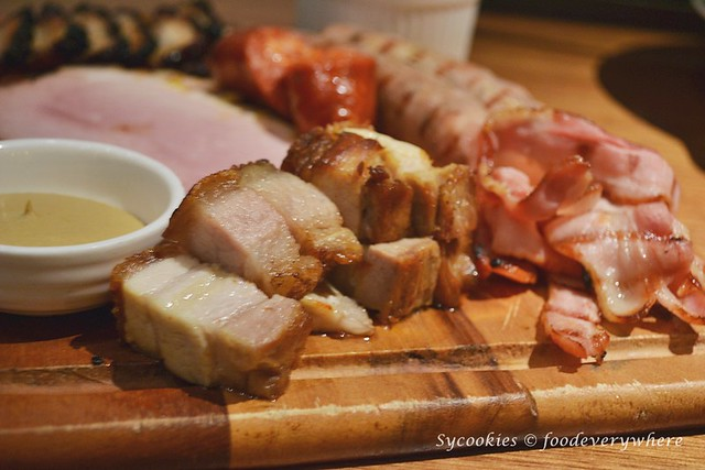 5.Celebrating Porky Lunar @ Mezze Bistro Restaurant (Medan Damansara)