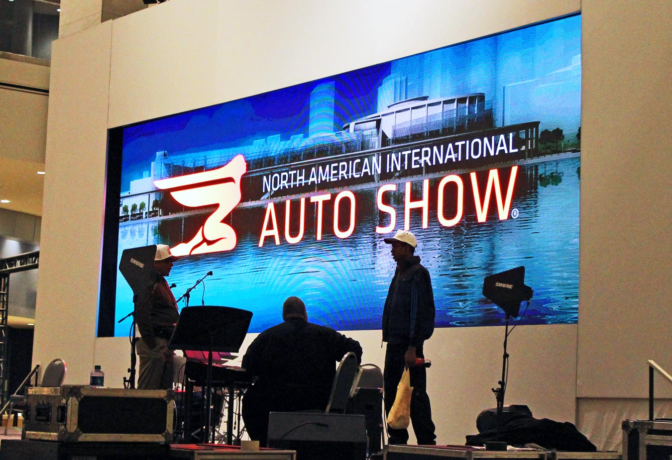Detroit Auto Show 2017: NAIAS Press Preview With SheBuysCars (+Enter To Win Tickets) | via Wading in Big Shoes