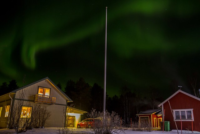 Lady Aurora dancing over my parentes house