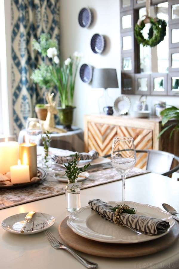 Clean Holiday Table Setting | Modern Christmas Tablescape