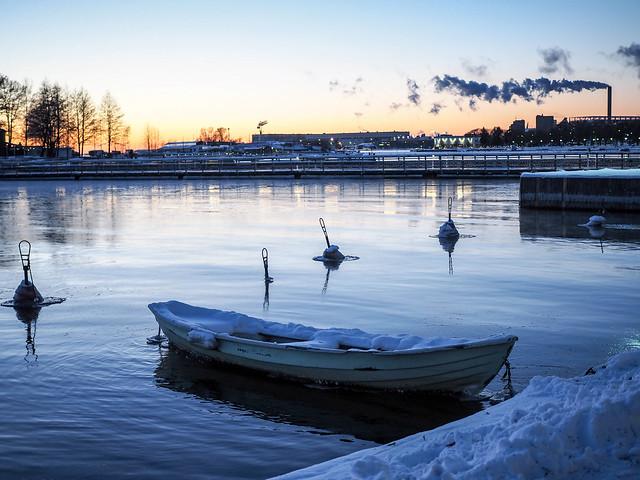 P1050733.jpgVeneHelsinkiMerenrantaTalviPakkanen