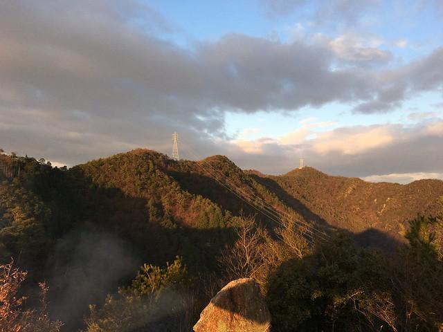 城山 猿啄城展望台より明王山