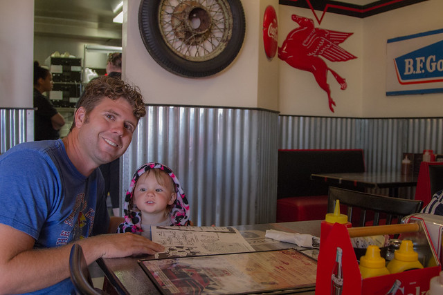 Daddy and Daugher at the Restuarnt