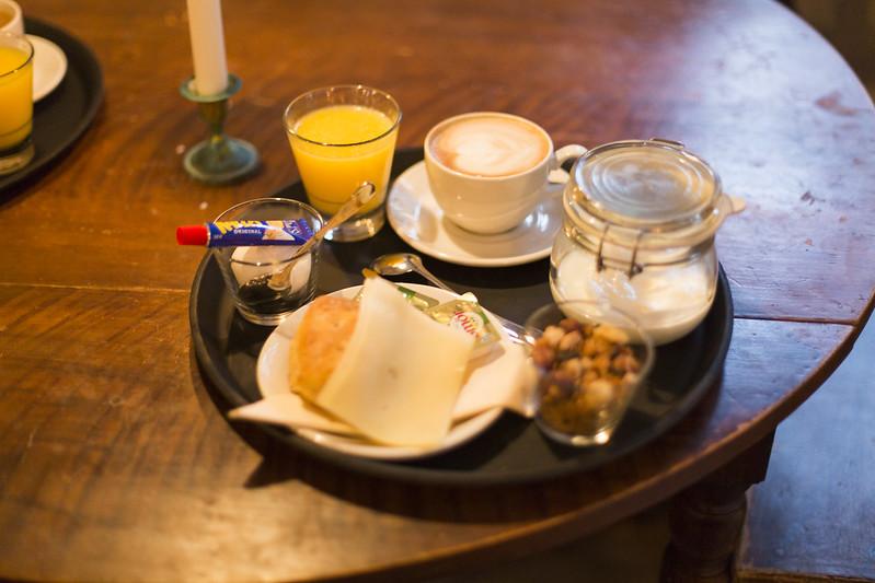 lördagsfrukost med maria och linnea på lila kafferosteriet!