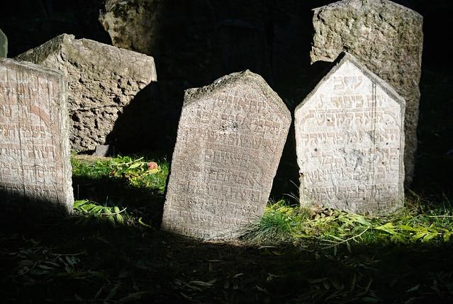Prague_Old Jewish Cemetery_2016-1