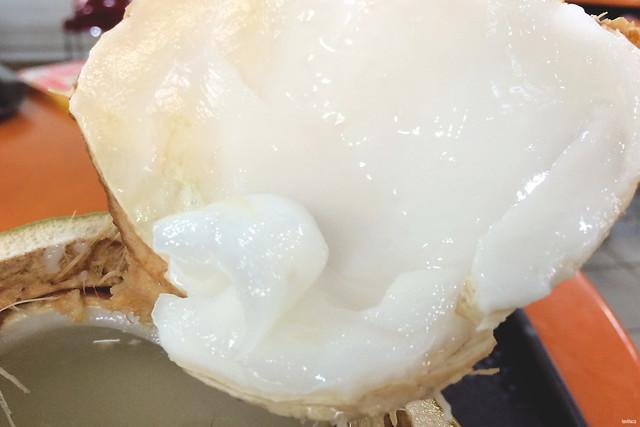 lavlilacs Singapore Chinatown Maxwell Food Center fresh coconut flesh