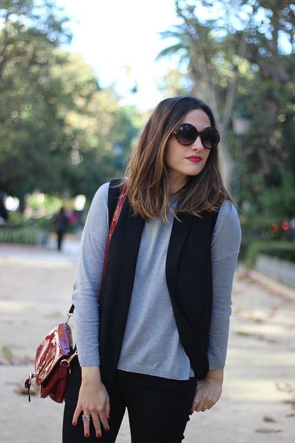 Chaleco negro_Rojo Valentino Blog (24)